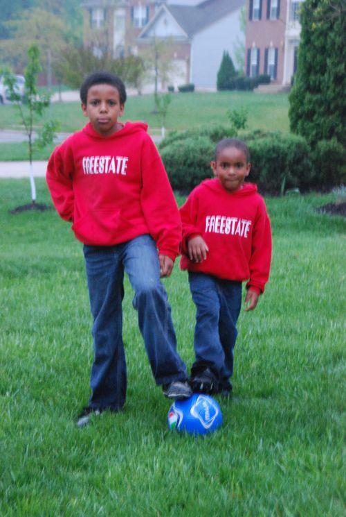 Soccer twins (10)